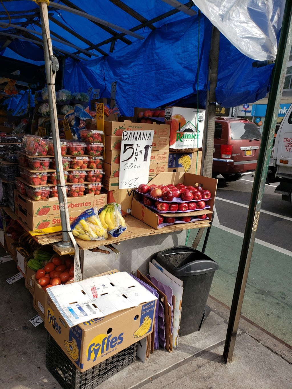 Fresh Produce - store  | Photo 6 of 9 | Address: 298-320 8th Ave, New York, NY 10001, USA
