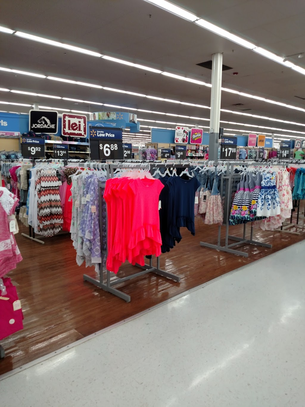 Walmart Supercenter - department store  | Photo 2 of 10 | Address: 279 Troy Rd, Rensselaer, NY 12144, USA | Phone: (518) 283-3055