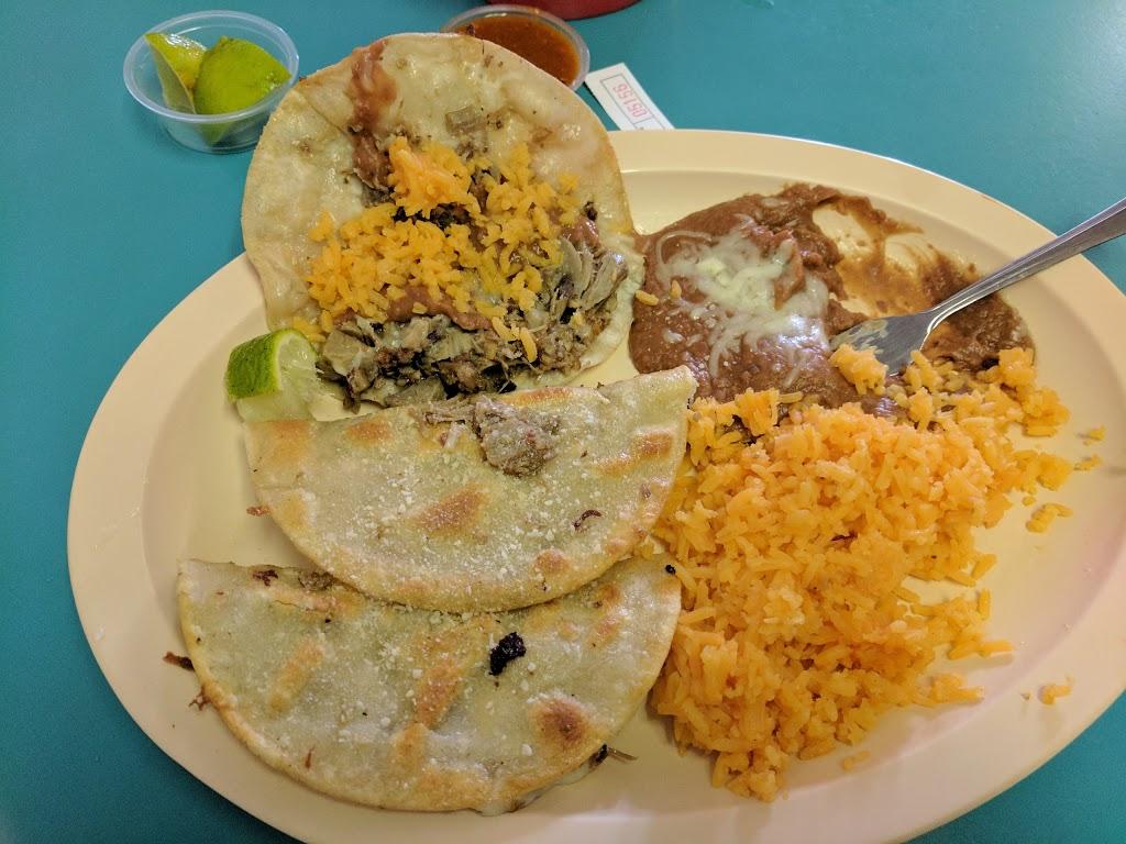 Hecho En Mexico Taqueria - restaurant  | Photo 3 of 10 | Address: 672 Parker Rd, Fairfield, CA 94533, USA | Phone: (707) 437-3514