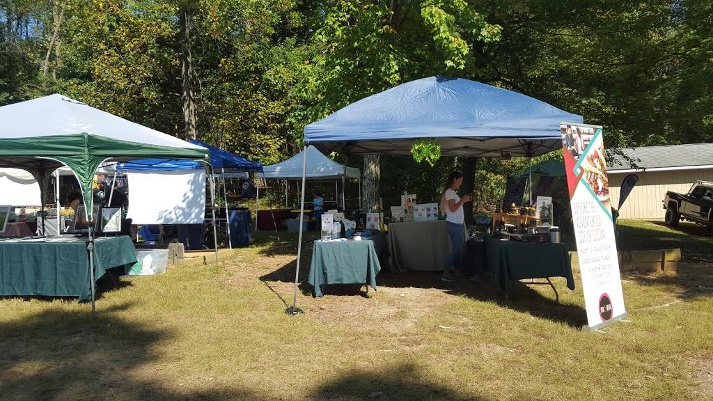 Mechanicsburg Club Picnic Grounds - cafe  | Photo 8 of 10 | Address: 80 Glendale Dr, Mechanicsburg, PA 17050, USA | Phone: (717) 766-7938