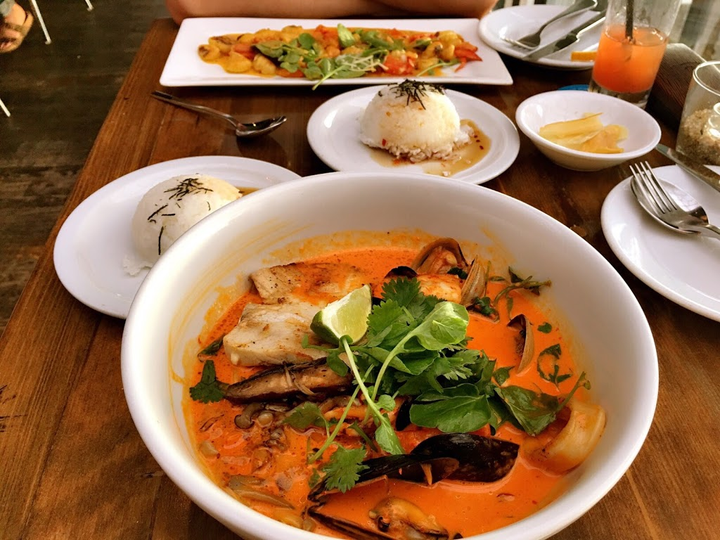 La Costanera - restaurant  | Photo 4 of 10 | Address: 8150 Cabrillo Hwy, Montara, CA 94037, USA | Phone: (650) 728-1600