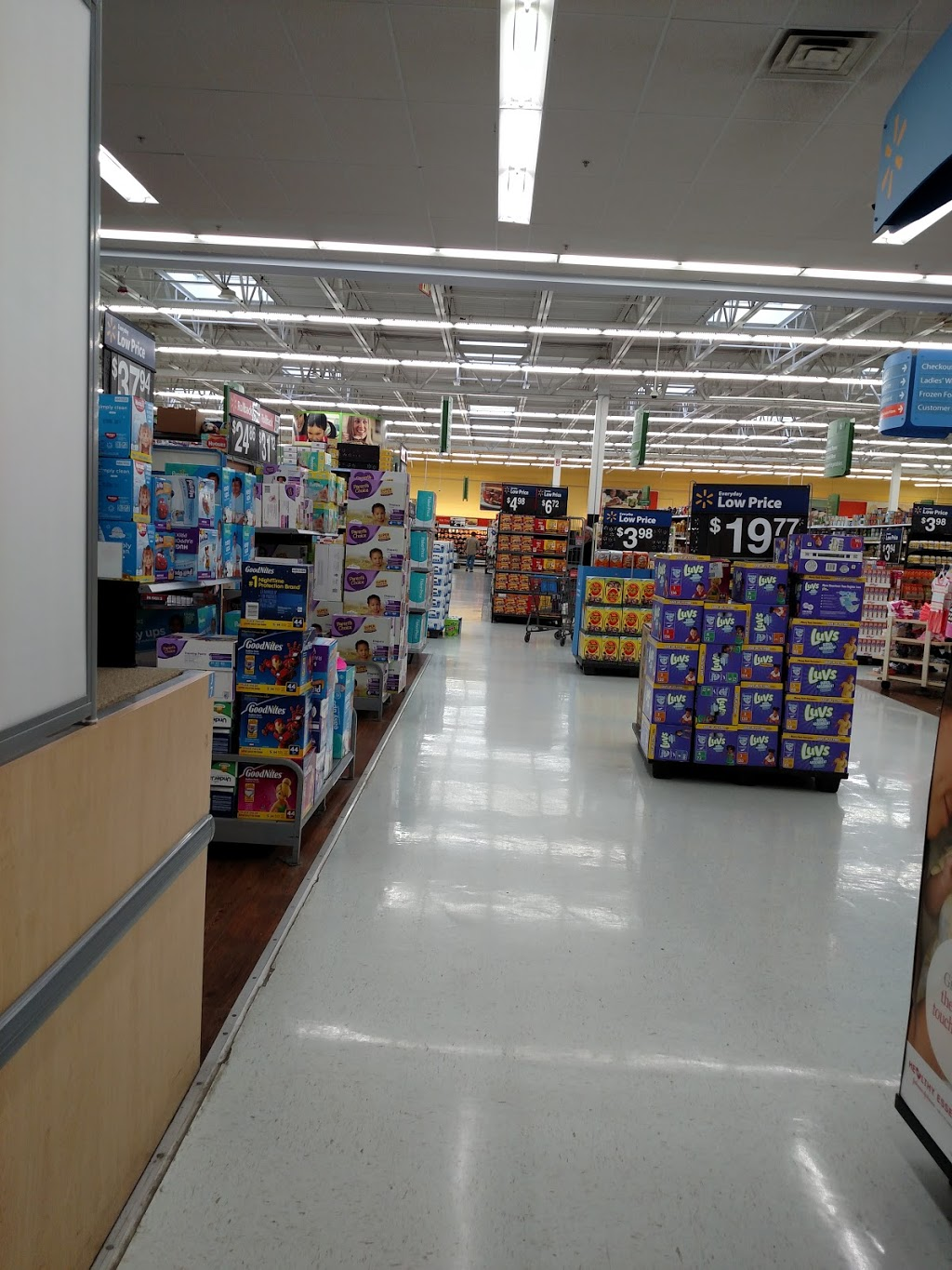 Walmart Supercenter - department store  | Photo 5 of 10 | Address: 279 Troy Rd, Rensselaer, NY 12144, USA | Phone: (518) 283-3055