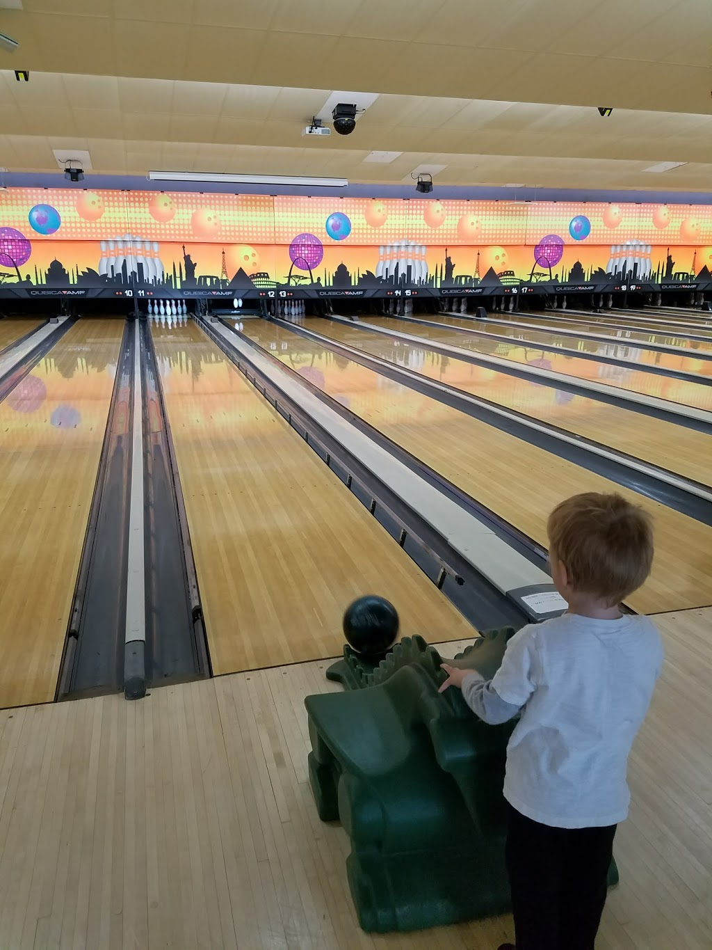 Del Lanes - bowling alley  | Photo 8 of 10 | Address: 4 Bethlehem Ct, Delmar, NY 12054, USA | Phone: (518) 439-2224