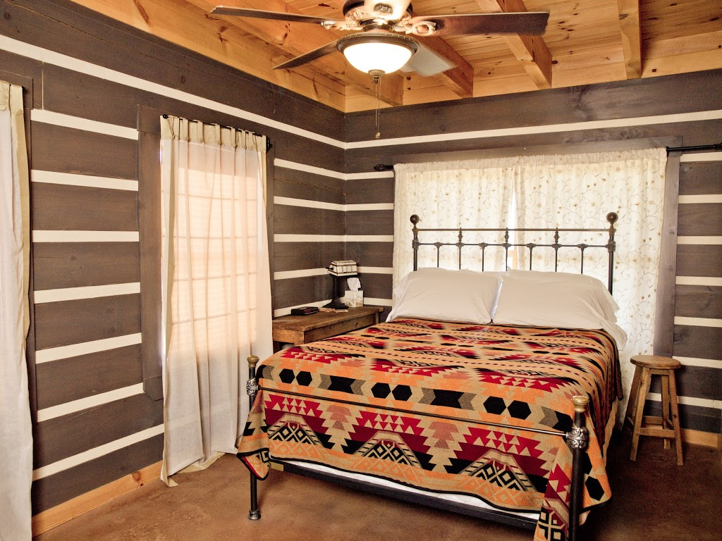 Agarita Creek Farms - lodging  | Photo 10 of 10 | Address: 968 Braeutigam Road, Fredericksburg, TX 78624, USA | Phone: (830) 992-5283