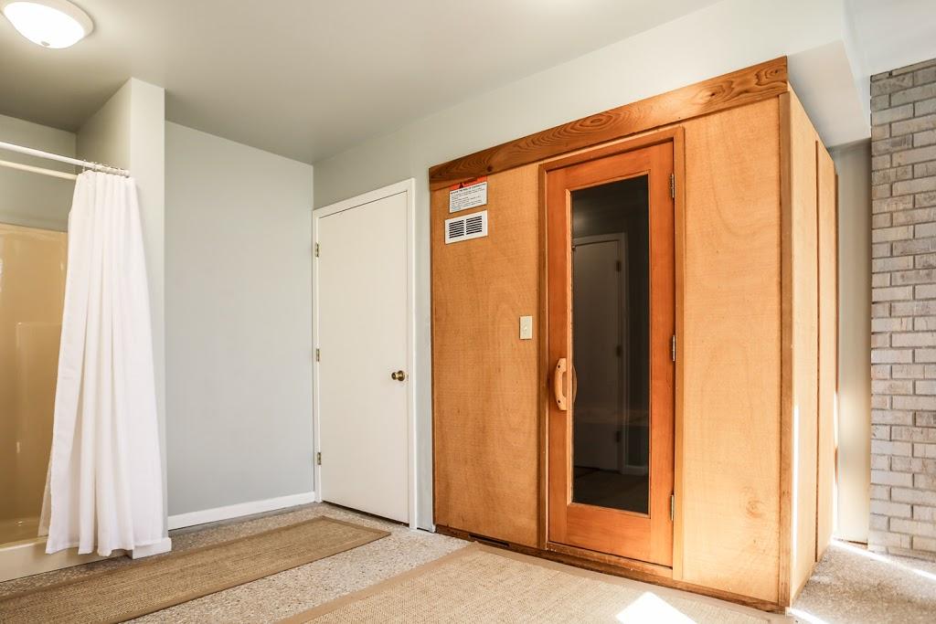 Gray Haus - lodging  | Photo 3 of 10 | Address: 682 Old Comfort Rd, Fredericksburg, TX 78624, USA | Phone: (866) 244-7897