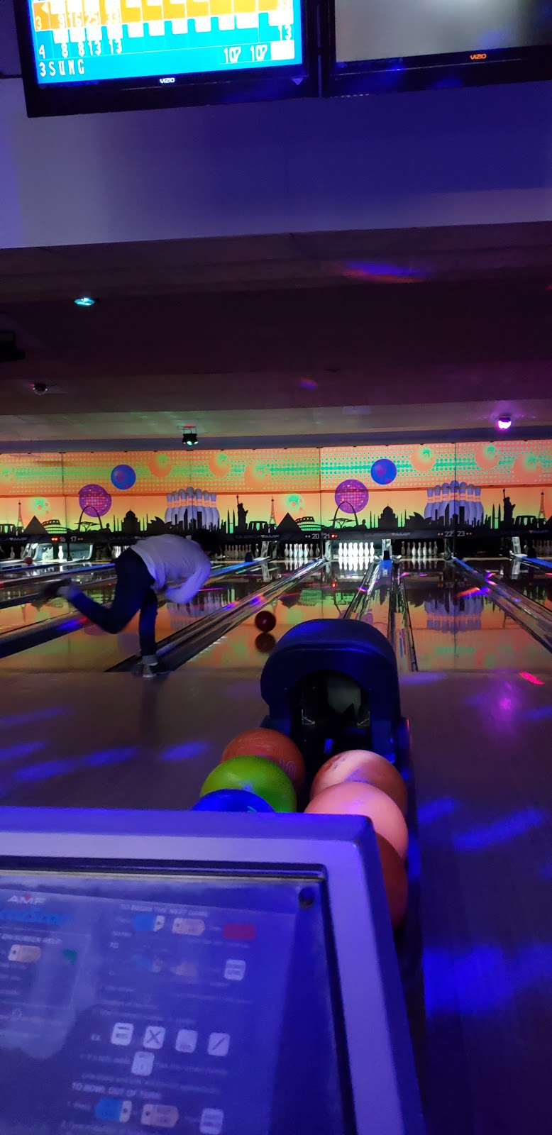 Del Lanes - bowling alley  | Photo 9 of 10 | Address: 4 Bethlehem Ct, Delmar, NY 12054, USA | Phone: (518) 439-2224