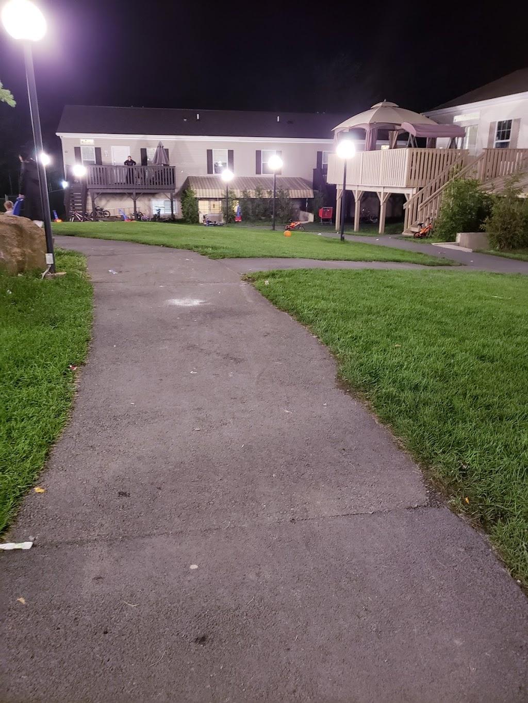 Harmony Hills - lodging  | Photo 5 of 10 | Address: 404 Laurel Ave, Fallsburg, NY 12733, USA | Phone: (845) 270-1213