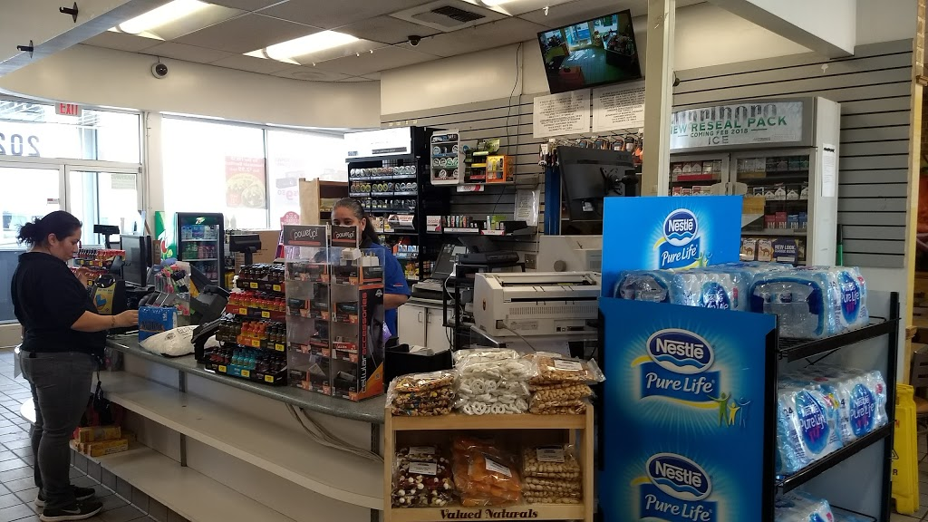 Flyers - store  | Photo 10 of 10 | Address: 2023 Mettler Frontage Rd W, Bakersfield, CA 93313, USA | Phone: (661) 858-2703