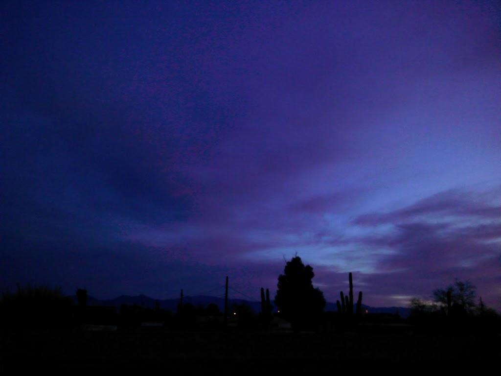 We are out of business already - laundry  | Photo 9 of 10 | Address: 5110 E Park Vista Dr, Tucson, AZ 85756, USA | Phone: (520) 548-6559