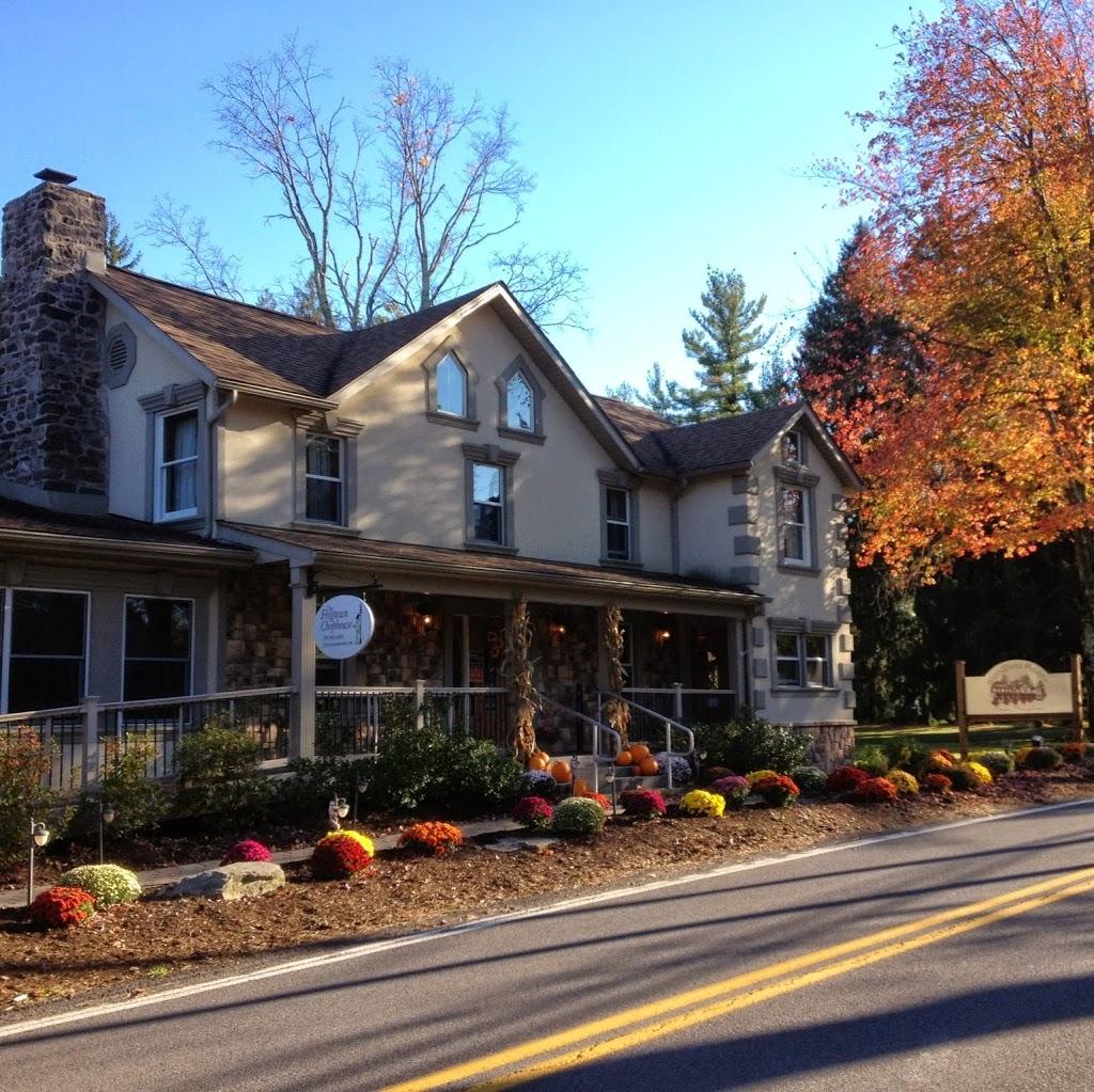 Woodfield Manor - lodging  | Photo 6 of 10 | Address: 472 Red Rock Rd, Cresco, PA 18326, USA | Phone: (570) 895-4401