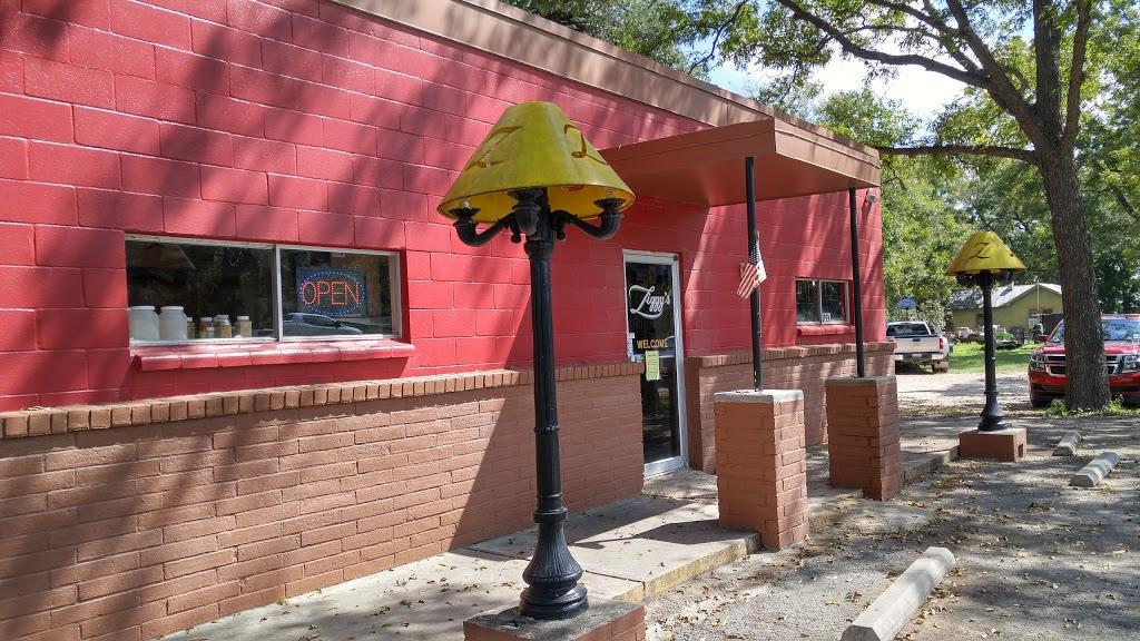 Ziggys Roadside BBQ - restaurant  | Photo 3 of 10 | Address: 120 U.S. Hwy 90 Street, Brackettville, TX 78832, USA | Phone: (830) 563-9293