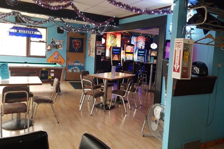 Bridgeport Inn - restaurant  | Photo 2 of 10 | Address: 42411 N Converse Rd, Antioch, IL 60002, USA | Phone: (847) 395-7840