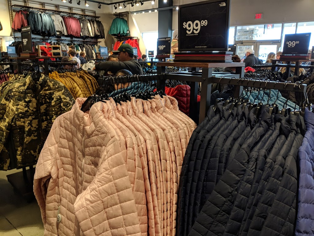 The North Face Outlet - clothing store    Photo 3 of 10   Address: 11601 108th St Spc 577, Pleasant Prairie, WI 53158, USA   Phone: (262) 857-1188