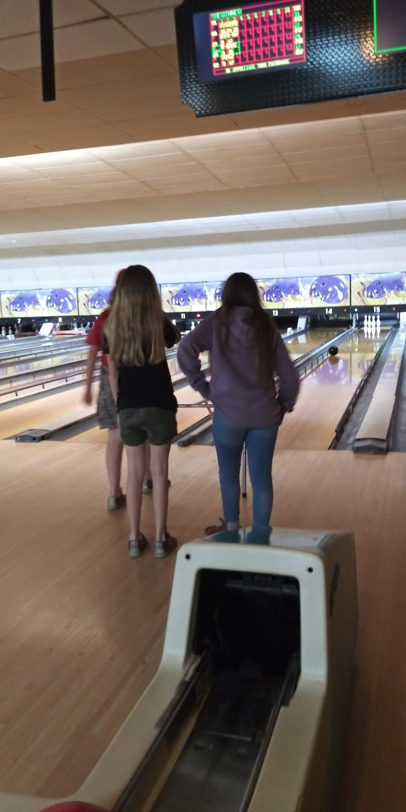 Pleasant Bowl - bowling alley  | Photo 4 of 10 | Address: 754 E 16th St, Mt Pleasant, TX 75455, USA | Phone: (903) 572-0347