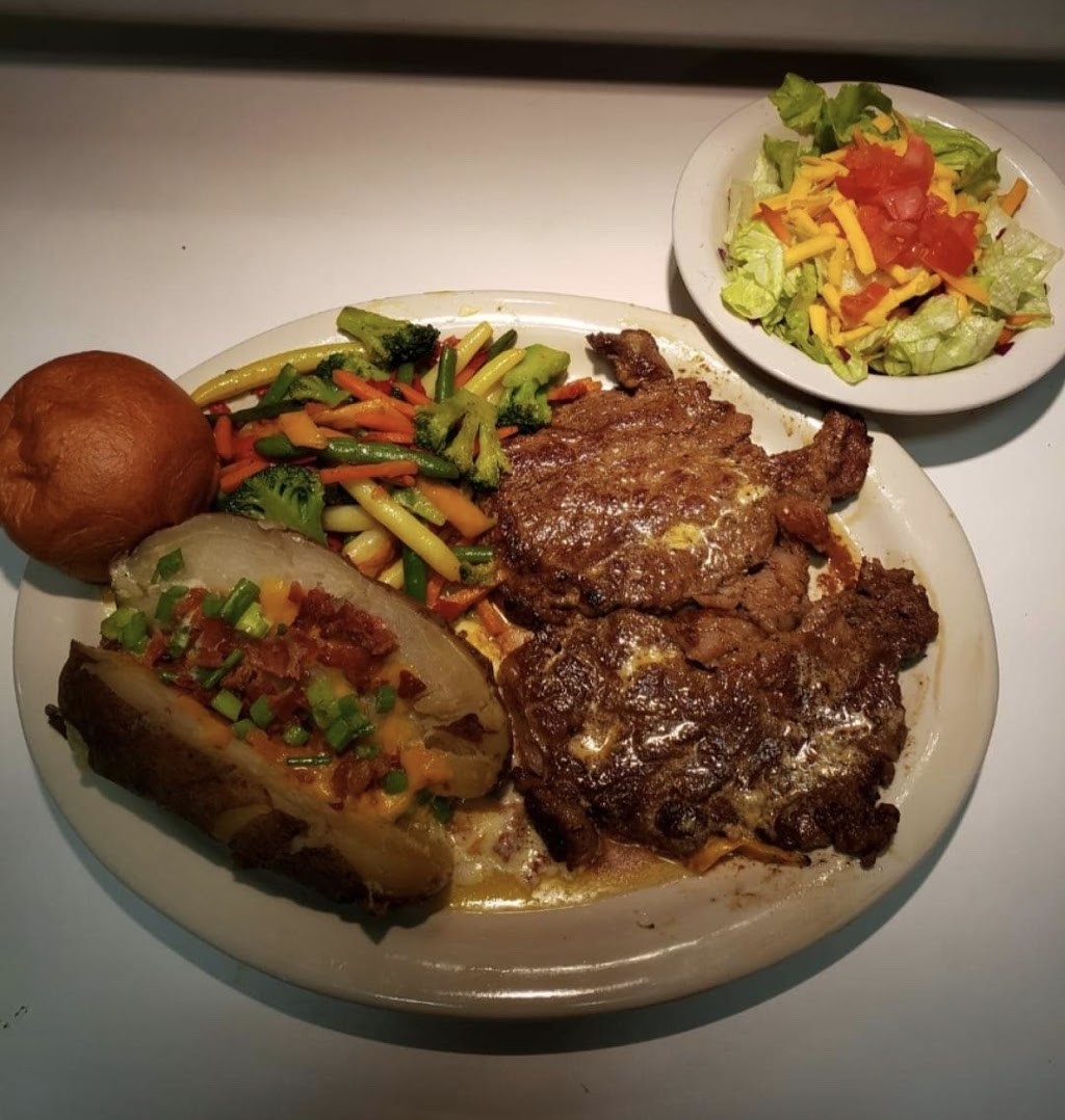 Lisa Lus - restaurant    Photo 6 of 10   Address: 620 TX-95, Granger, TX 76530, USA   Phone: (512) 808-8188