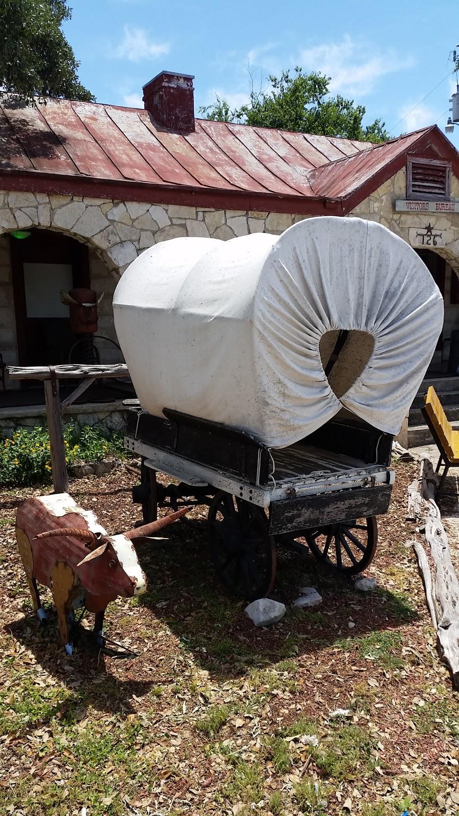 Bandera County Convention & Visitors Bureau - travel agency  | Photo 2 of 10 | Address: 126 TX-16, Bandera, TX 78003, USA | Phone: (830) 796-3045