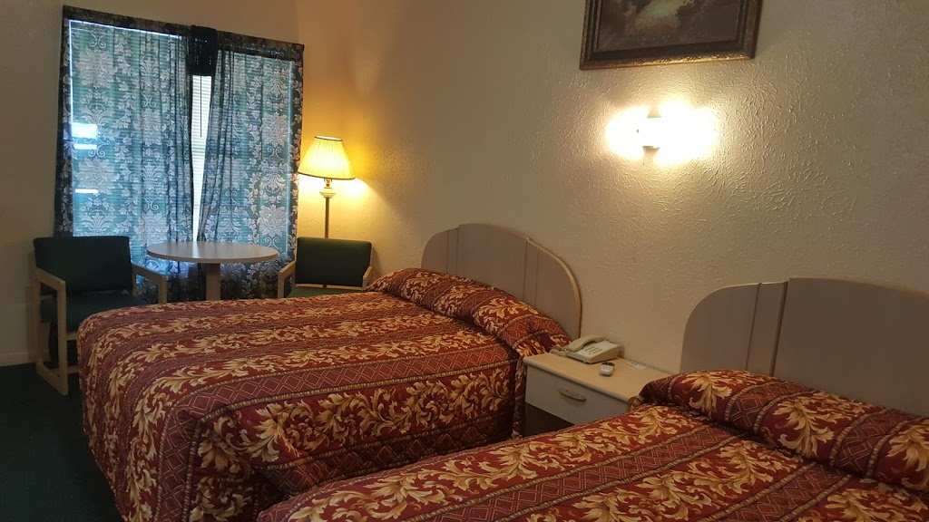 Relax Inn - lodging    Photo 7 of 10   Address: 1230 US-84, Goldthwaite, TX 76844, USA   Phone: (325) 648-2288