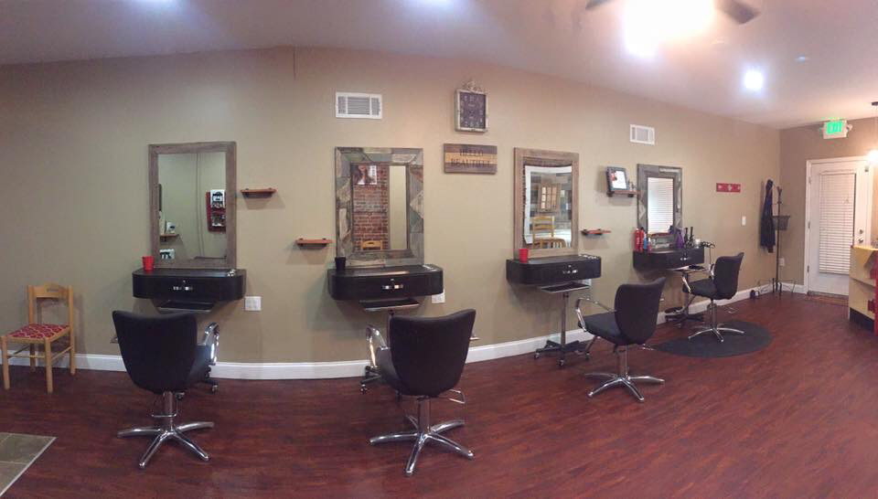 RMH Hair Studio LLC - hair care  | Photo 9 of 10 | Address: 325 Wise Ave, Baltimore, MD 21222, USA | Phone: (410) 971-4247