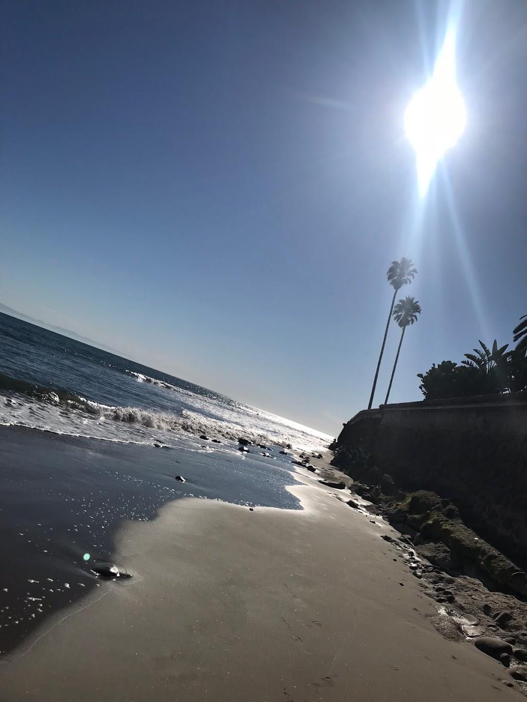 Montecito Beach Estate 5 Bedroom Vacation Rental - lodging    Photo 1 of 2   Address: Bonnymede Dr, Montecito, CA 93108, USA   Phone: (805) 335-2510