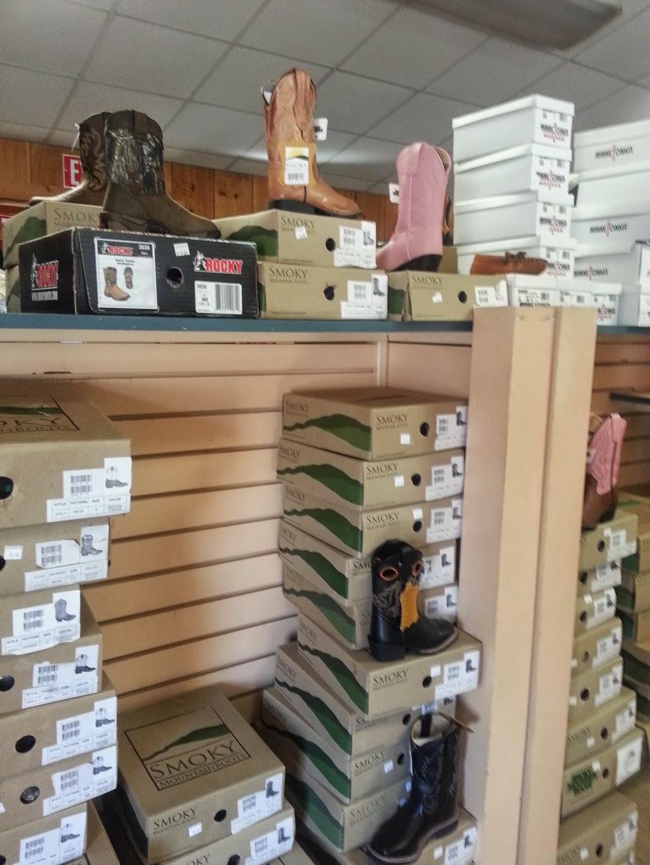 Gumpys Creekside Cabin - shoe store  | Photo 9 of 10 | Address: 2861 PA-42, Millville, PA 17846, USA | Phone: (570) 458-5131