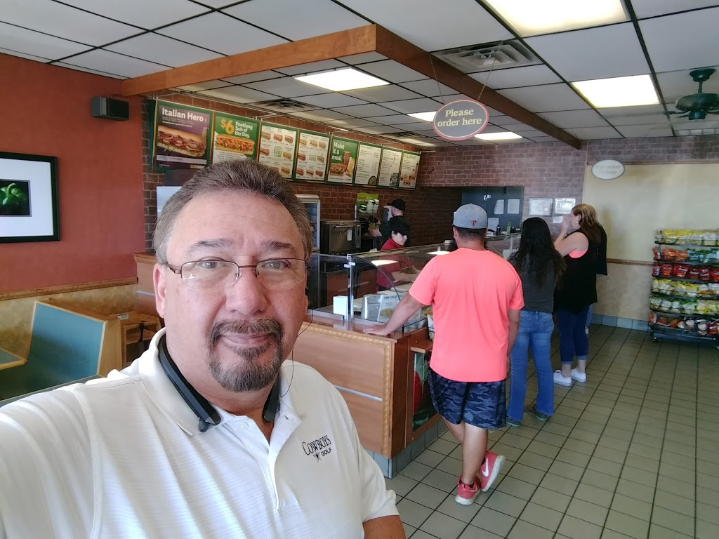 Subway Restaurants - restaurant    Photo 8 of 10   Address: 109 W Ovilla Rd, Red Oak, TX 75154, USA   Phone: (972) 230-7850