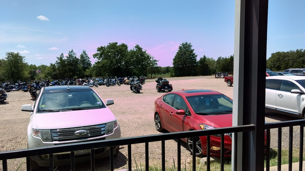 Bullpen Bar & Grill - restaurant  | Photo 9 of 10 | Address: 2156 Co Rd 217, Giddings, TX 78942, USA | Phone: (979) 366-2500