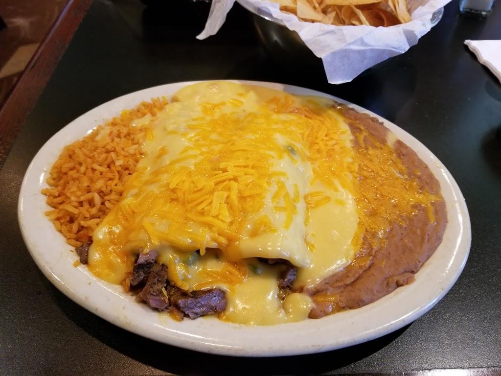 Dos Chiles Grandes - restaurant  | Photo 7 of 10 | Address: 105 Lake Rd, Bridgeport, TX 76426, USA | Phone: (940) 683-6566