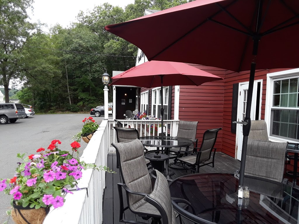 French King Restaurant - lodging    Photo 6 of 10   Address: 129 French King Hwy, Erving, MA 01344, USA   Phone: (413) 423-3328