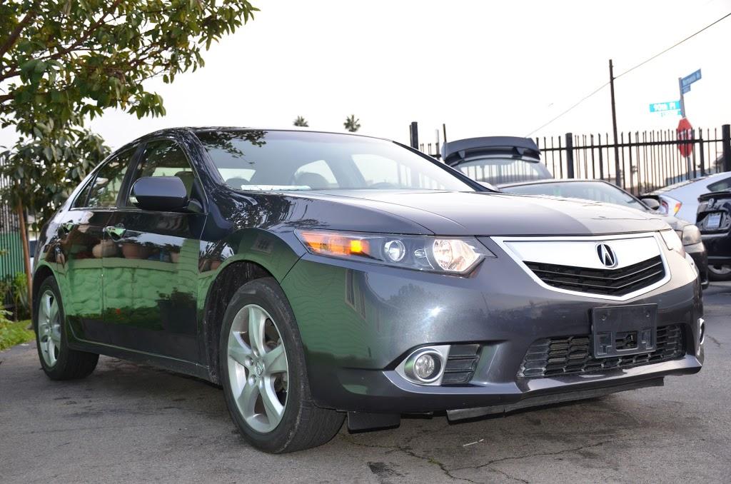 Robertos Auto Sale - car dealer    Photo 5 of 5   Address: 1349 W 90th Pl, Los Angeles, CA 90044, USA   Phone: (323) 350-1274