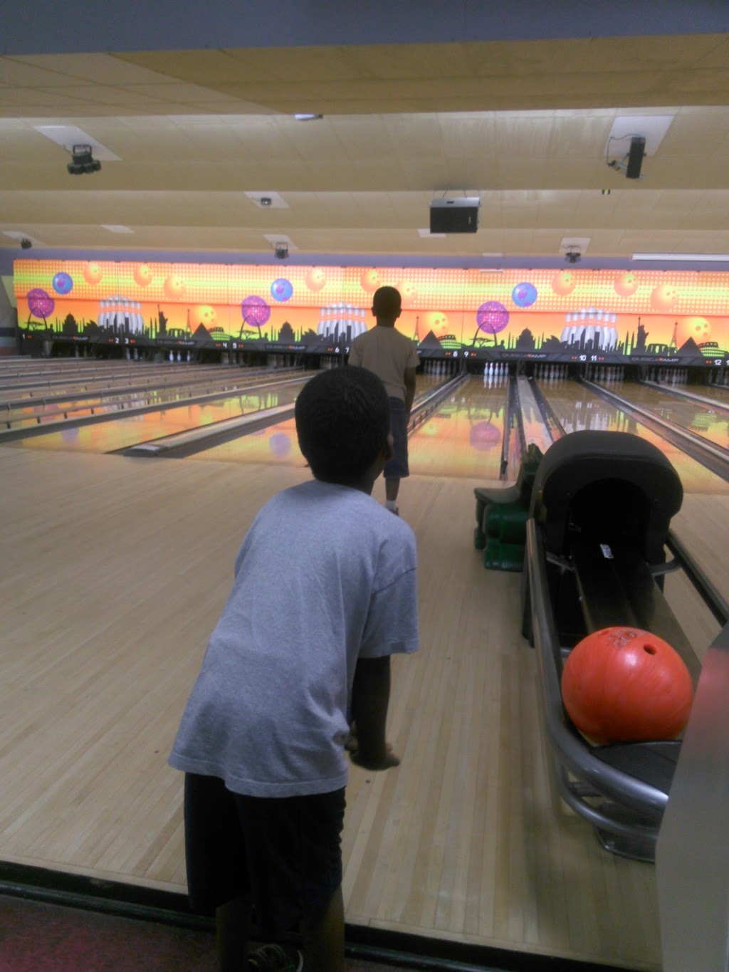 Del Lanes - bowling alley  | Photo 4 of 10 | Address: 4 Bethlehem Ct, Delmar, NY 12054, USA | Phone: (518) 439-2224