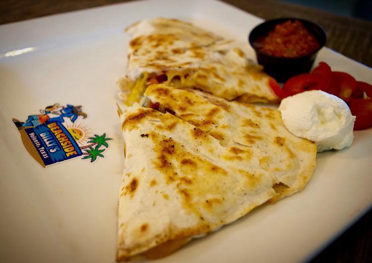 Beachside Billys - restaurant  | Photo 7 of 10 | Address: 16107 FM2769, Volente, TX 78641, USA | Phone: (512) 258-5110
