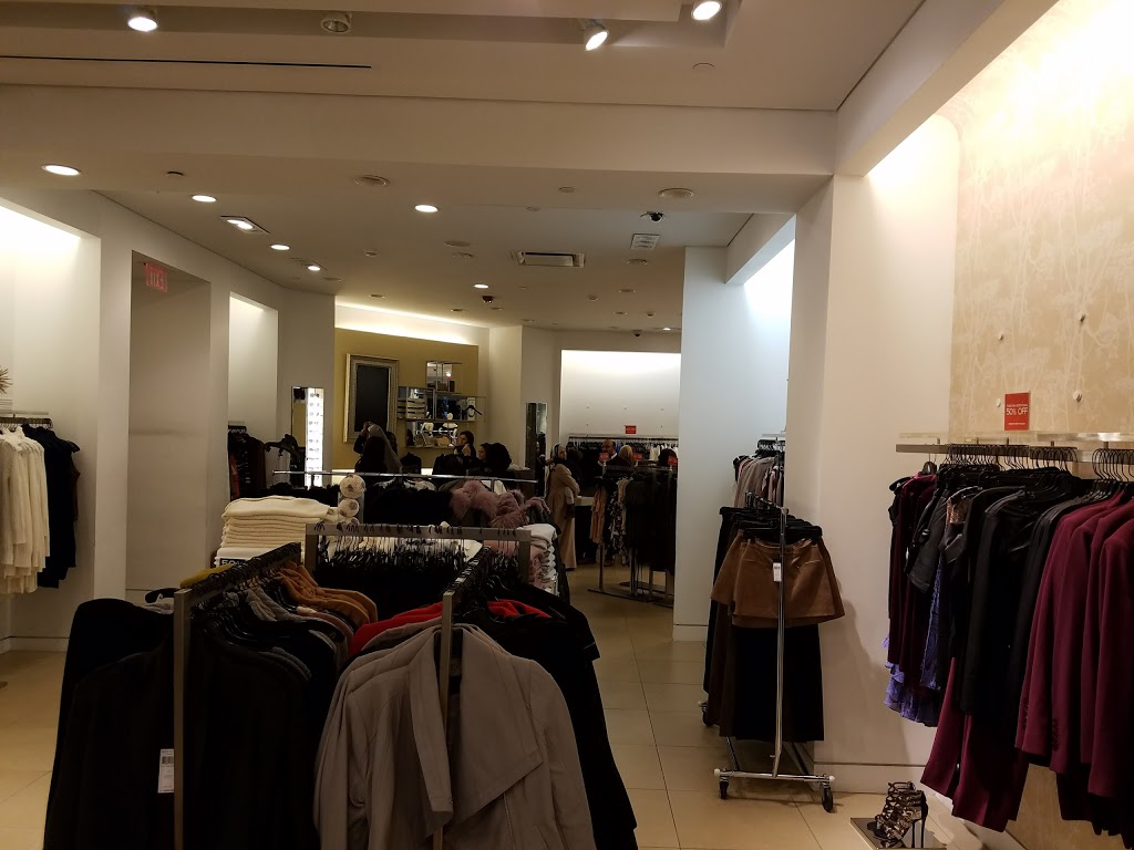 BCBGMAXAZRIA at Bloomingdales | clothing store | 630 Old Country Rd, Garden City, NY 11530, USA | 5167463172 OR +1 516-746-3172