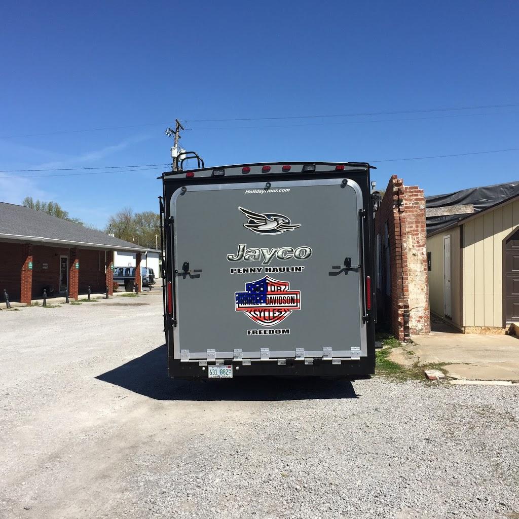 Gander RV of DeKalb - car dealer  | Photo 7 of 10 | Address: 350 W Lincoln Hwy, Cortland, IL 60112, USA | Phone: (888) 890-9714