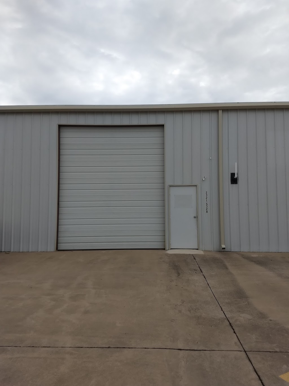 SMOKT Trailers - car repair  | Photo 9 of 10 | Address: 2321 Masch Branch Rd #328 bldg 5, Denton, TX 76207, USA | Phone: (214) 563-2244