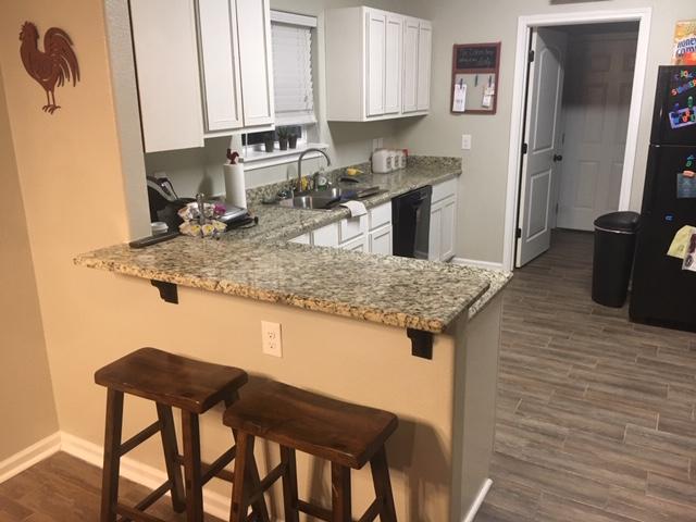 Barham Properties - real estate agency    Photo 8 of 10   Address: 924 N University Dr, Nacogdoches, TX 75961, USA   Phone: (936) 559-7304