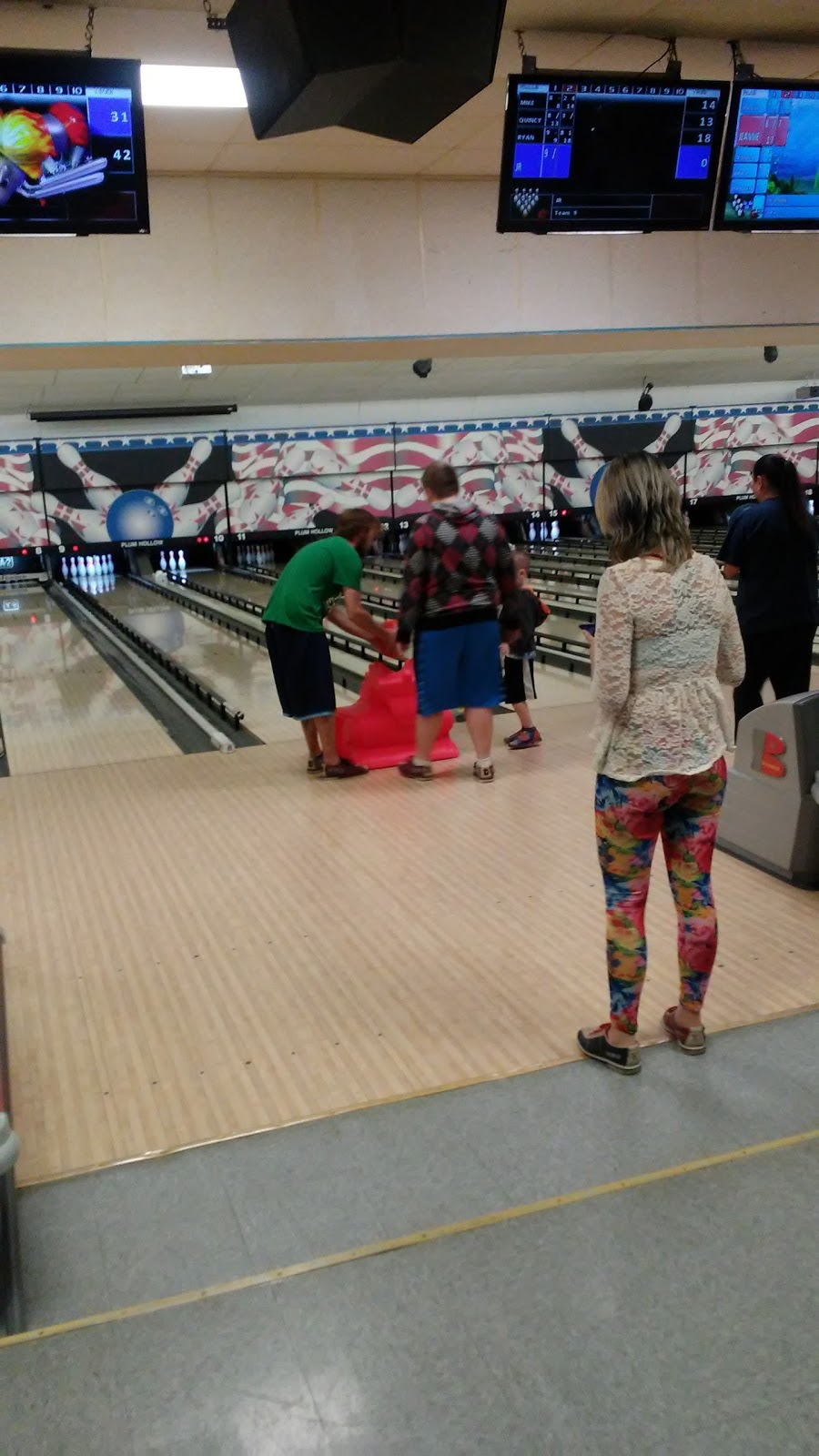 Plum Hollow Family Center - bowling alley  | Photo 4 of 10 | Address: 1933 IL-26, Dixon, IL 61021, USA | Phone: (815) 271-4101