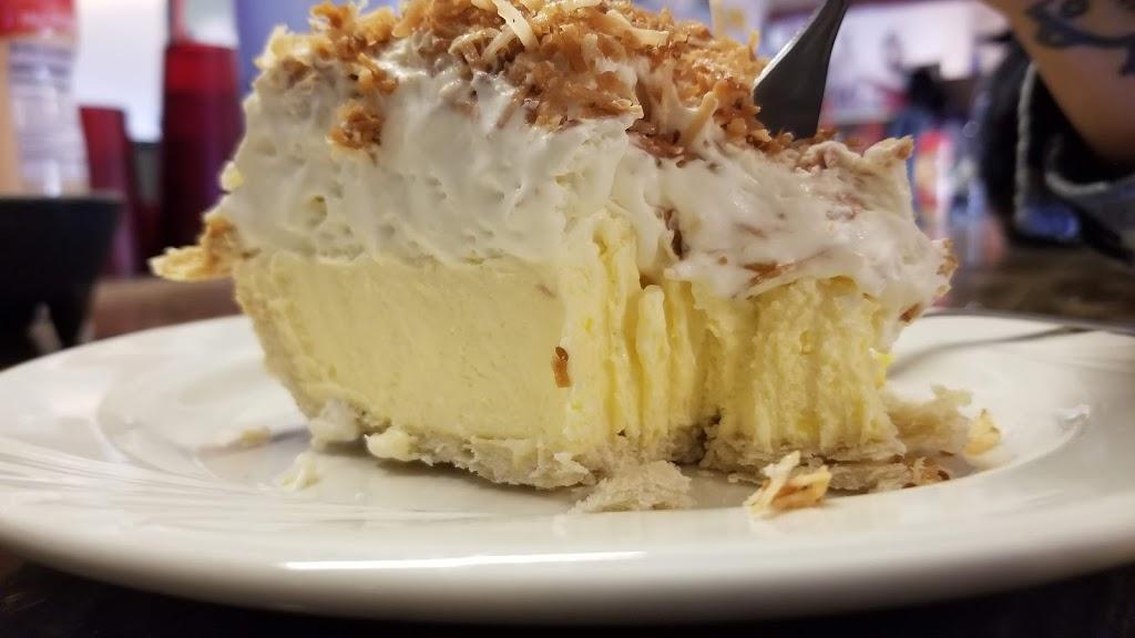 Twin Oaks General Store - cafe    Photo 4 of 10   Address: 15782 Caliente Creek Rd, Caliente, CA 93518, USA   Phone: (661) 867-2247