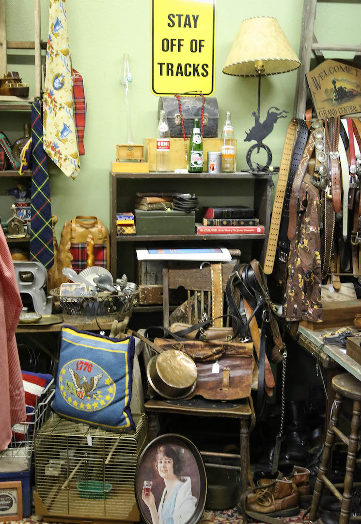 Lalas Vintage - clothing store  | Photo 7 of 10 | Address: 18726 CA-49 Ste 5, Plymouth, CA 95669, USA | Phone: (707) 696-8084