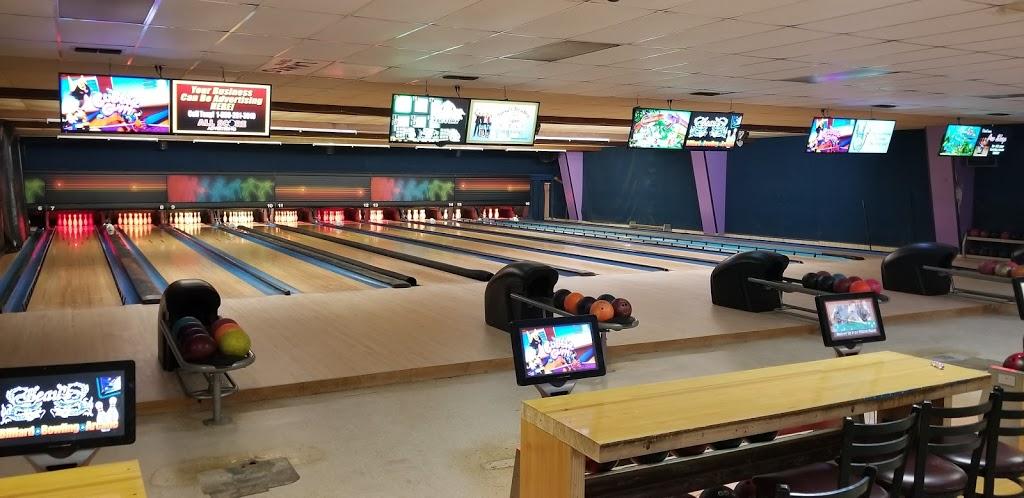 Beaus Billiard Bowling & Arcade - bowling alley  | Photo 2 of 10 | Address: 100 Village Rd, Port Lavaca, TX 77979, USA | Phone: (361) 552-2667