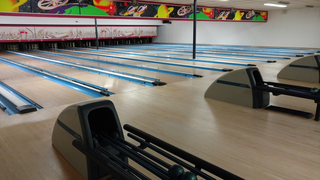 French King Bowling Center and Storage Facilities - bowling alley  | Photo 9 of 10 | Address: 55 French King Hwy, Erving, MA 01344, USA | Phone: (413) 423-3047
