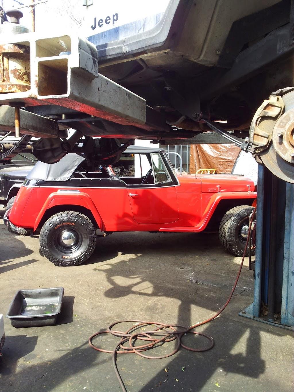 Jeeps R Us - car dealer  | Photo 9 of 10 | Address: 3231 Laguna Canyon Rd, Laguna Beach, CA 92651, USA | Phone: (949) 497-9183