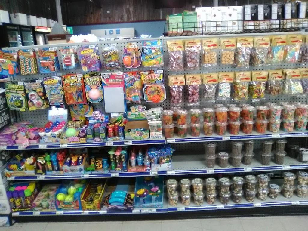 Papas Market - convenience store  | Photo 4 of 10 | Address: 104 S 8th St, Skidmore, TX 78389, USA | Phone: (361) 287-3188