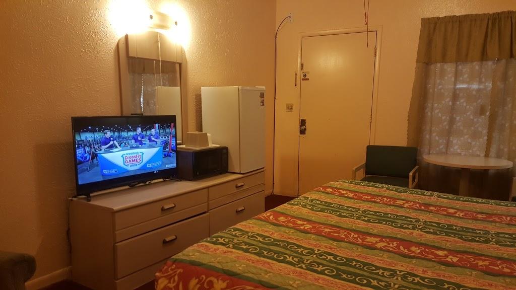 Relax Inn - lodging    Photo 9 of 10   Address: 1230 US-84, Goldthwaite, TX 76844, USA   Phone: (325) 648-2288