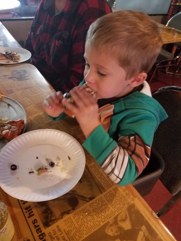 Treasure Cove Pizza | restaurant | 90 State Hwy 20, Upper Lake, CA 95485, USA | 7072752551 OR +1 707-275-2551