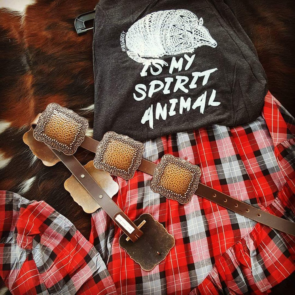 HEART OF AN OUTLAW - clothing store  | Photo 2 of 10 | Address: 7681 FM 751, Wills Point, TX 75169, USA | Phone: (214) 886-6953