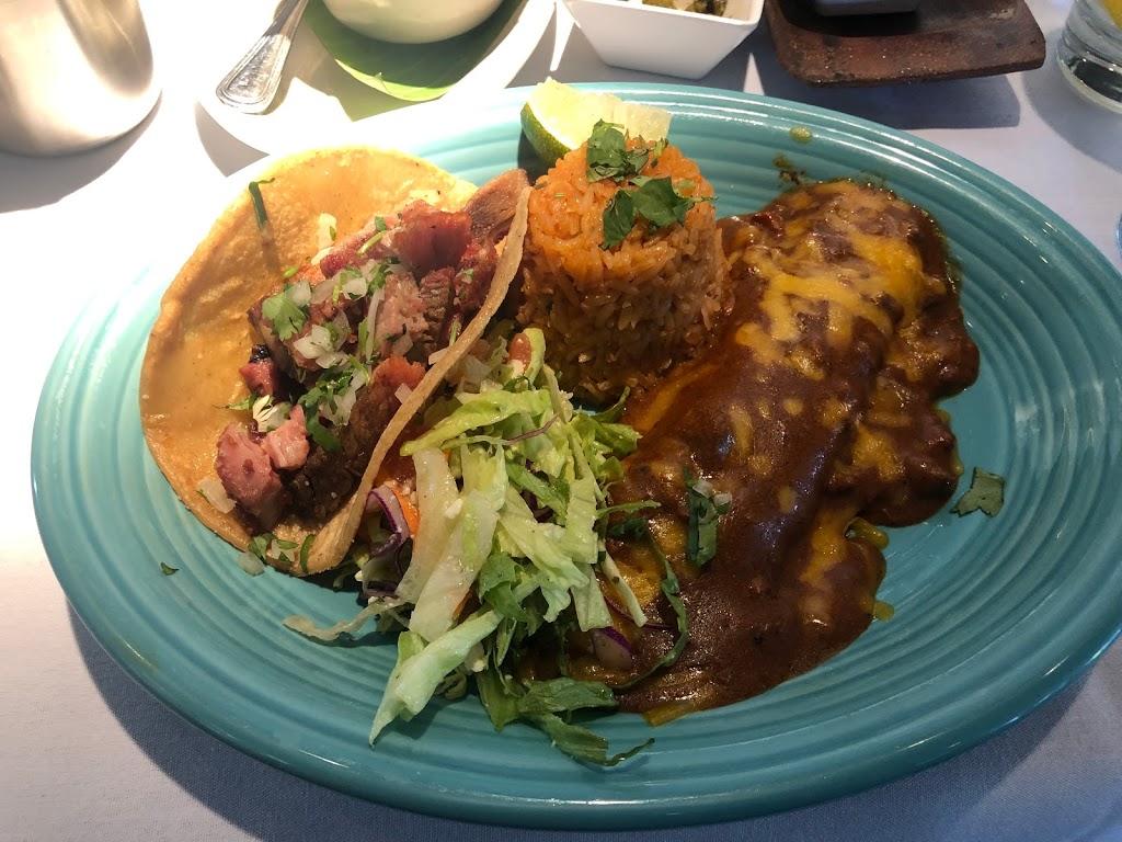 Doce Mesas - restaurant  | Photo 3 of 8 | Address: 4444 McKinney Ave, Dallas, TX 75205, USA | Phone: (214) 780-1991