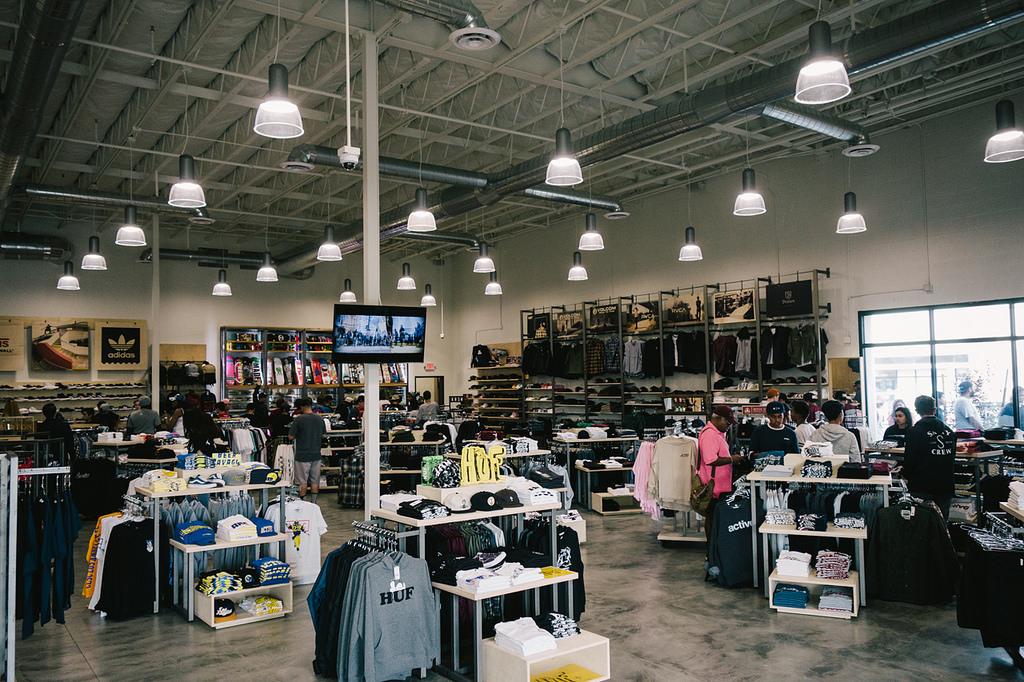 Active Ride Shop - clothing store  | Photo 8 of 9 | Address: 30099 Haun Rd, Menifee, CA 92584, USA | Phone: (951) 267-2550