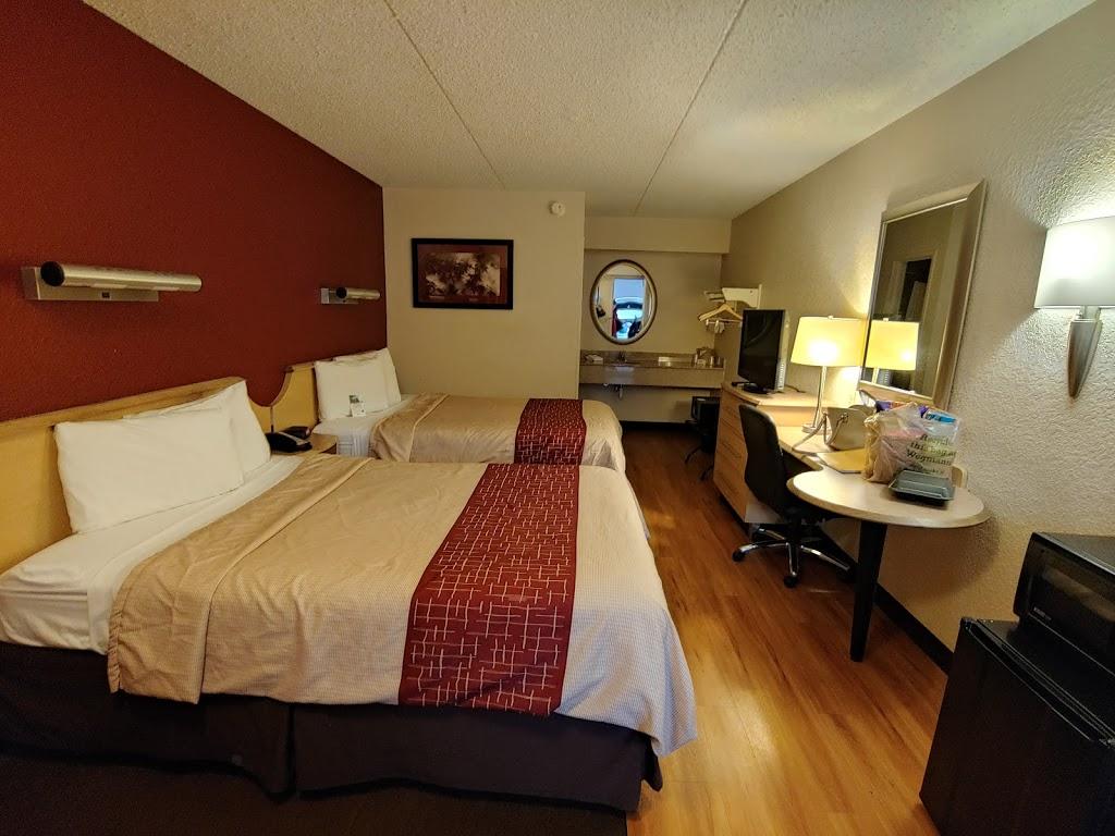 Red Roof Inn Harrisburg - Hershey | lodging | 950 Eisenhower Blvd, Harrisburg, PA 17111, USA | 7179391331 OR +1 717-939-1331