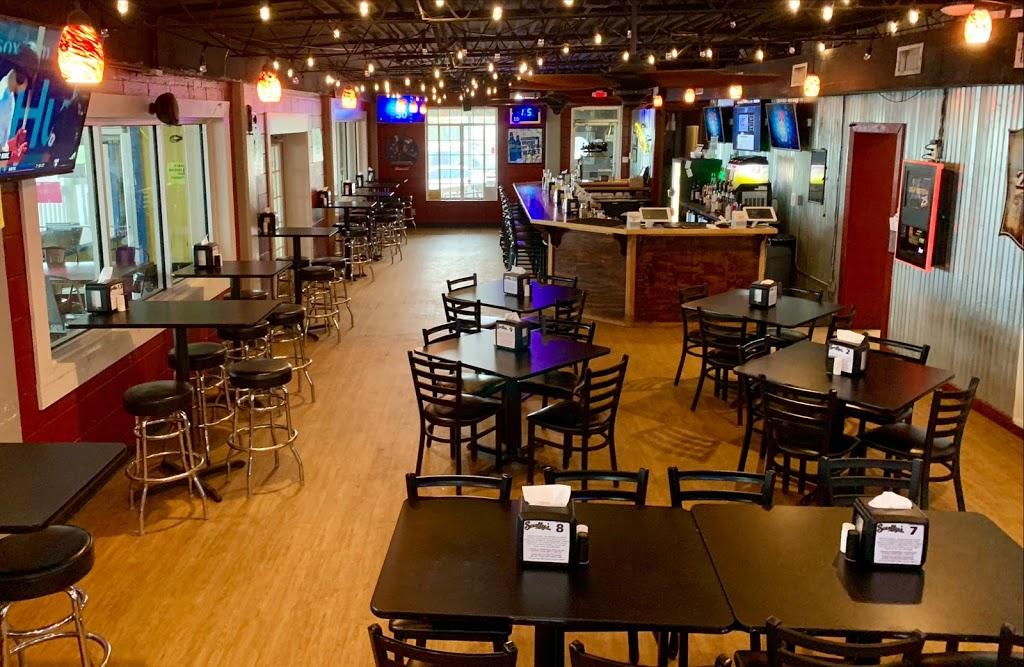 Scullys Sports Bar & Grill - restaurant  | Photo 1 of 10 | Address: 802 Fulton St, Port Lavaca, TX 77979, USA | Phone: (361) 482-0691