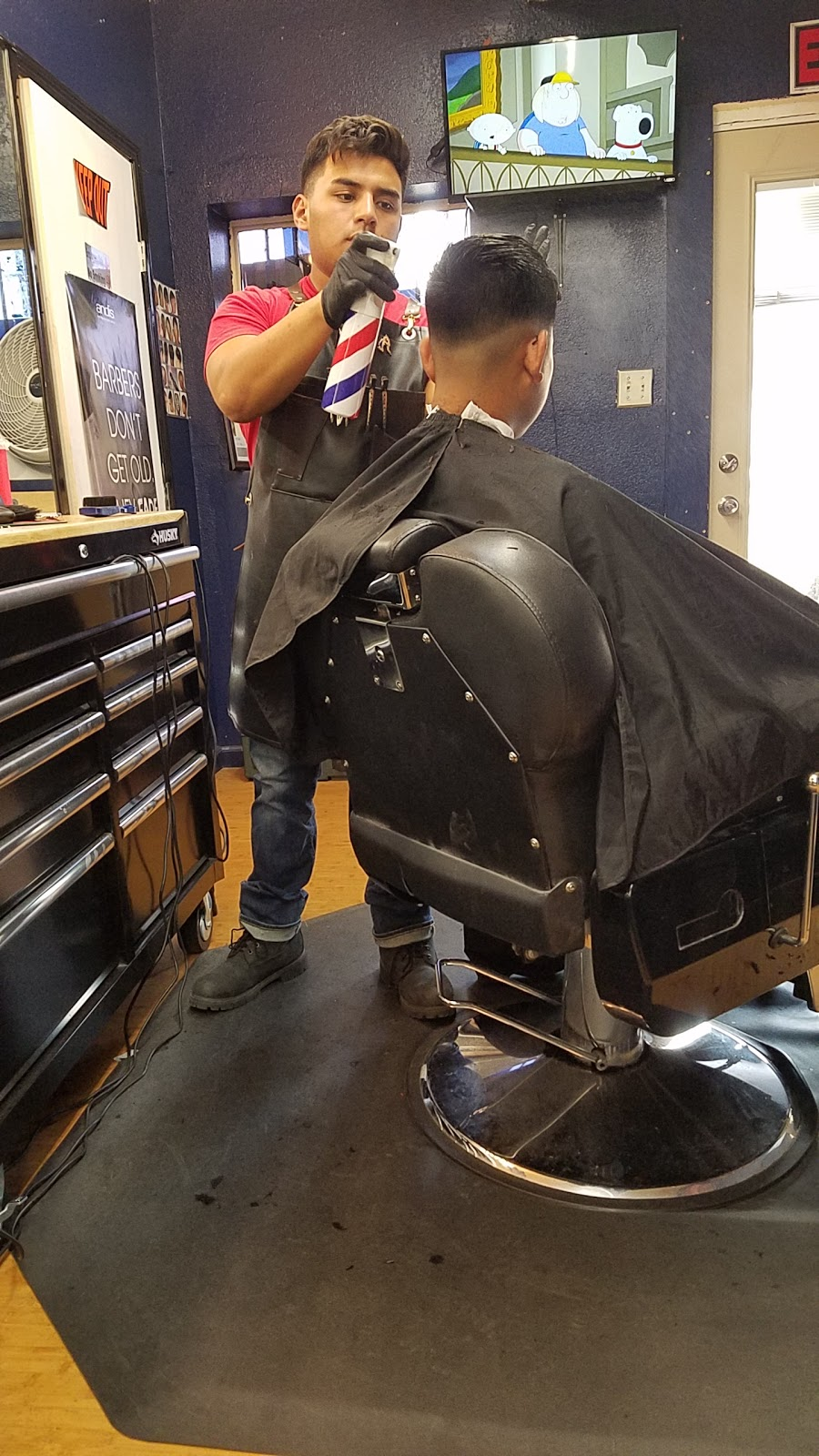 Modelos Barber Shop | hair care | 364 Richgrove Dr, Richgrove, CA 93261, USA | 6616996501 OR +1 661-699-6501